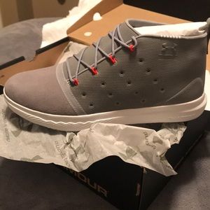 UA WOMENS CHARGED 24/7 MID( BRAND NEW)